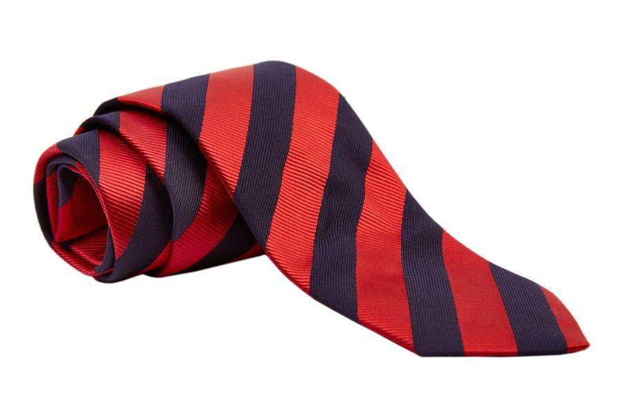 Γραβάτα με κόκκινη και μπλε ρίγα